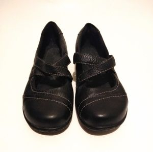 Clark's Leather size 8.5